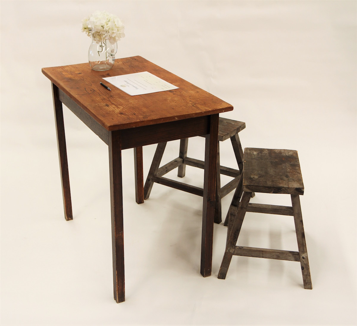 Vintage Signing Table Package – Timber Table & Stools