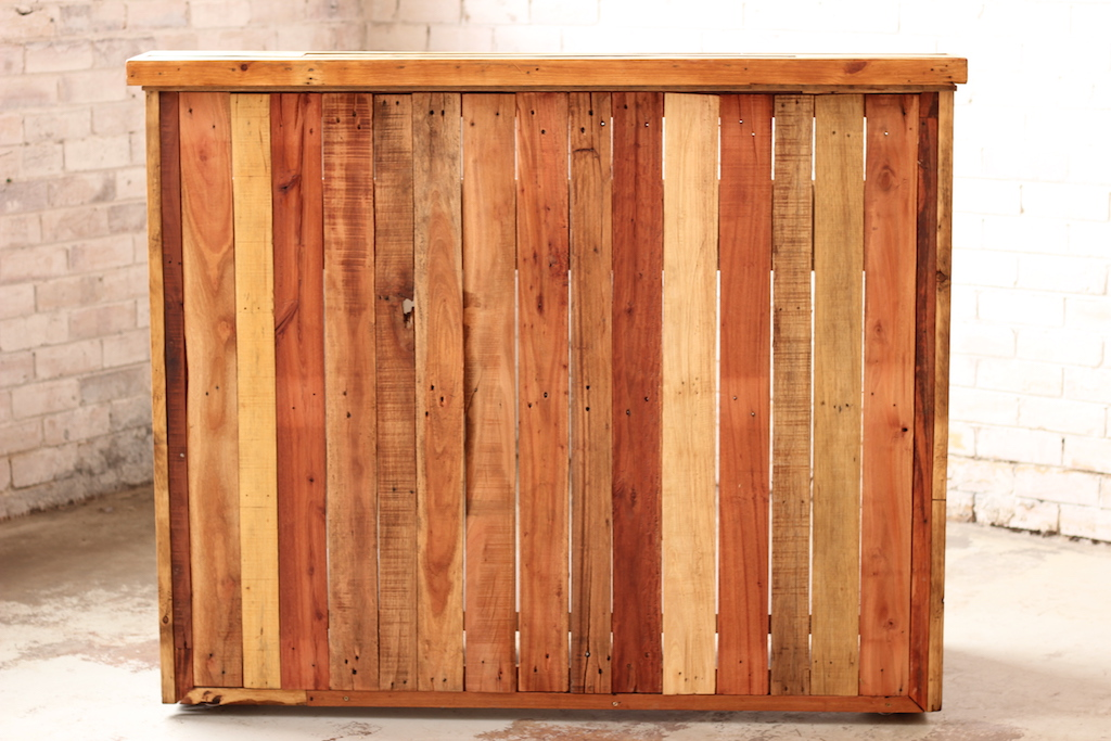 Bar – Reclaimed Timber